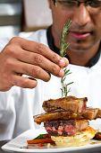 Постер, плакат: шеф повар умышленном блюдо