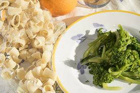 picture of turnip greens  - traditional dish of Apuleia - JPG