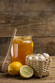 Lemon, garlic and jar of honey (natural remedies for colds and flu)