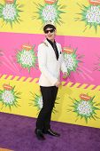 LOS ANGELES - MAR 23:  Matt Bennett arrives at Nickelodeon's 26th Annual Kids' Choice Awards at the