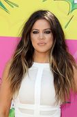 LOS ANGELES - MAR 23:  Khloe Kardashian arrives at Nickelodeon's 26th Annual Kids' Choice Awards at