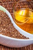 pic of flax seed oil  - Close look to Linseeds  - JPG