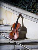 foto of bannister  - An old violin on autumn barok  - JPG