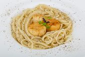 picture of scallops  - Pasta with scallops and fresh green herbs - JPG