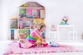picture of girl toy  - Little girl playing - JPG
