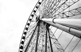 picture of ferris-wheel  - A picture of a large ferris wheel in Australia - JPG