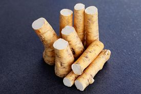 picture of grated radish  - horseradish root and grated horseradish - JPG