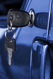 foto of door-handle  - Key at car doors  - JPG