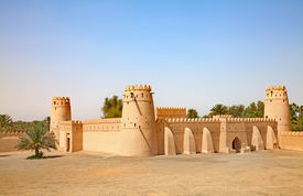 pic of oasis  - Famous Jahili fort in Al Ain oasis - JPG