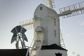 pic of fantail  - Saxtead Green Mill post mill with three storey roundhouse - JPG