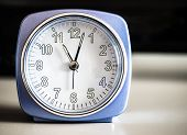 ������, ������: Old fashioned azure morning alarm clock