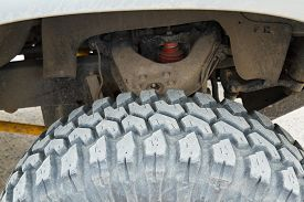 foto of four-wheel  - Wheel undercarriage of the car Four - JPG