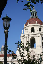 picture of city hall  - Pasadena City Hall in daytime - JPG