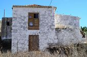 pic of rebuilt  - Many old houses are rebuilt and inhabited on Canary Island La Palma - JPG