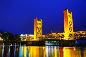 foto of gate  - Golden Gates drawbridge in Sacramento at the night time - JPG
