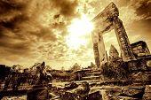 Постер, плакат: Дверной проем в Храм руины