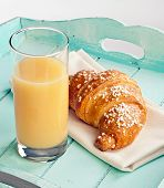 Постер, плакат: Croissant And Pear Juice