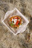 image of scallops  - Presentation in flat nest of spaghetti sauce full of scallops - JPG