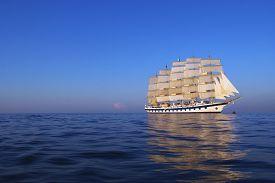 image of messina  - Clipper ship in the sea - JPG