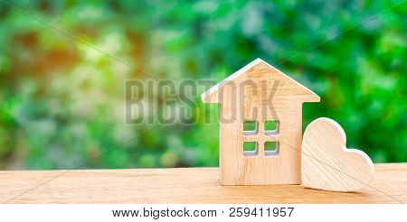 House With A Wooden Heart
