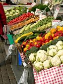 picture of bartering  - Marketplace with garden truck - JPG