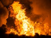 picture of bonfire  - Arson or nature disaster  - JPG