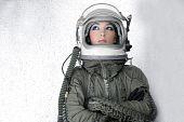Постер, плакат: Самолеты астронавт корабля шлем женщина Мода