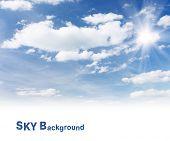 Постер, плакат: Белые пушистые облака в синем небе