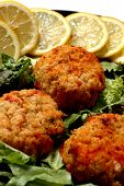 pic of crab-cakes  - crab cakes lemon garnish - JPG