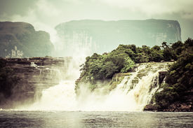 image of canaima  - Waterfall and the lagoon of Canaima national park  - JPG