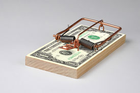 picture of mouse trap  - Photo of a Money  Mouse Trap - JPG