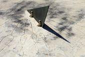 pic of sundial  - sundial - JPG