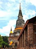 picture of gautama buddha  - Pagoda and Buddha Status at Wat Yai Chaimongkol  - JPG