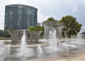 pic of mile  - The newly opened start of the Scioto Mile in Downtown Columbus - JPG