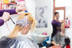 pic of hair dye  - Hairdresser salon - JPG
